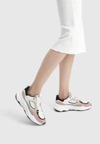 Bershka - Sneakers laag - multi-coloured - 0