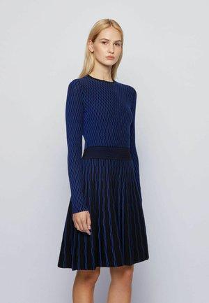 C_ILLORAN - Gebreide jurk - patterned