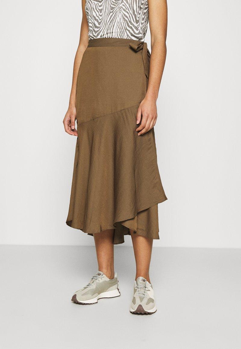 Banana Republic - WRAP FLOUNCE MIDI - Wrap skirt - heritage olive