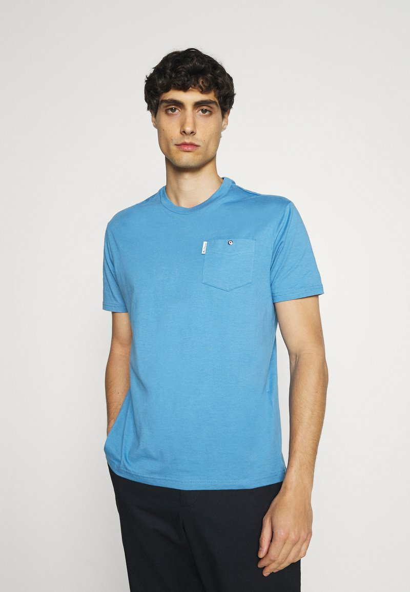 Ben Sherman - SIGNATURE POCKET TEE - Basic T-shirt - riviera blue