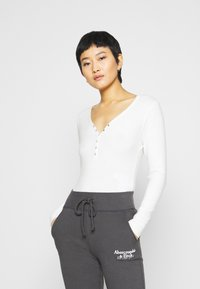 Abercrombie & Fitch - COZY TWIST FRONT  - Long sleeved top - white - 0