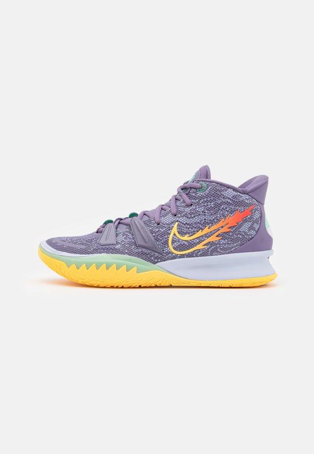 KYRIE 7 - Basketbalové boty - daybreak/citron pulse/siren red/ghost/green glow