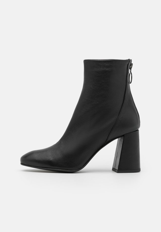 VMCILLA BOOT - High heeled ankle boots - black