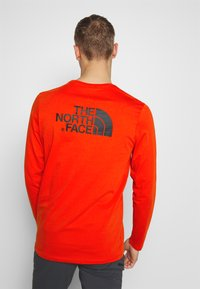 The North Face - EASY TEE - Langarmshirt - fiery red - 2