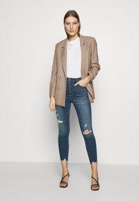 Abercrombie & Fitch - Jeans Skinny Fit - dark destroy - 1