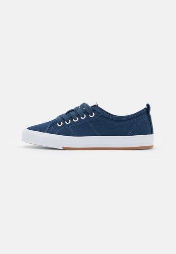 SIMONA - Sneakers laag - dark blue