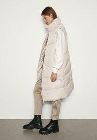 Massimo Dutti - Waistcoat - beige - 1