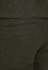 Jack & Jones PREMIUM - Suit trousers - rosin - 4