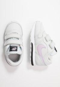 Nike Sportswear - RUNNER 2 - Zapatillas - photon dust/iced lilac/off noir/white - 0