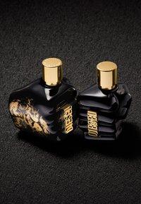 Diesel Fragrance - SPIRIT OF THE BRAVE EAU DE TOILETTE VAPO - Eau de Toilette - - - 4