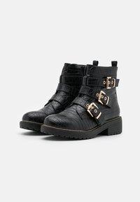 Miss Selfridge - BORN - Cowboy/biker ankle boot - black - 2