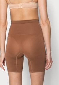 Cotton On Body - SMOOTHER SHAPER HIGH WAIST SHORT - Shapewear - cappucino - 3