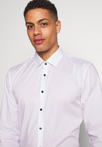 OLYMP - OLYMP NO.6 SUPER SLIM FIT  - Formal shirt - white - 5