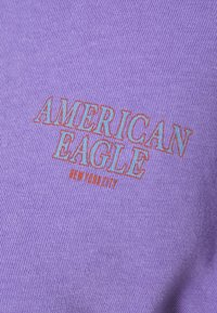 American Eagle - BRANDED BRIGHTS SANTA MONICA TEE - Print T-shirt - purple - 2
