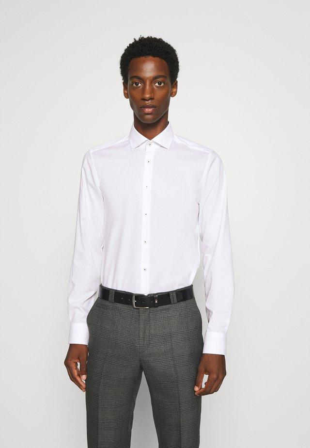 Level 5 - Formal shirt - weiß