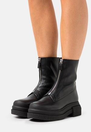 CHARLI ZIP SPORTLIFT BOOTIE - Bottines à plateau - black