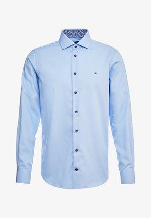 POPLIN CLASSIC SLIM SHIRT - Kostymskjorta - blue