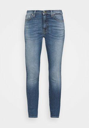 ILLUSION BEYOND - Jeansy Skinny Fit - light blue