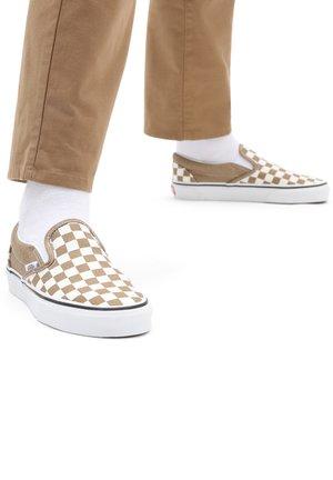 UA CLASSIC SLIP-ON - Slip-ons - checkerboard brnzagtrwht