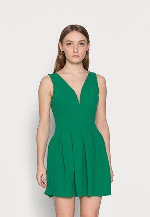Denní šaty - leaf green