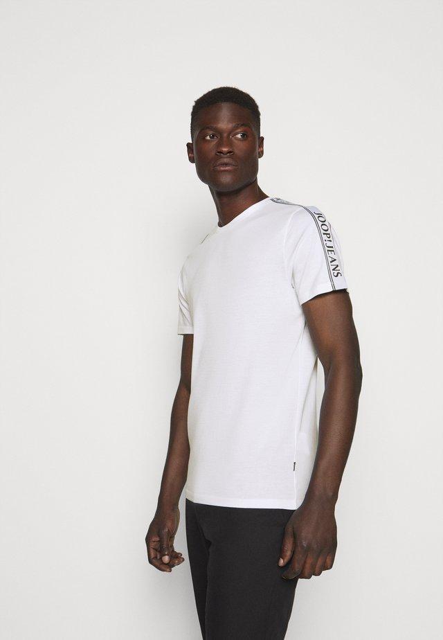 SIRENO - T-shirt imprimé - white
