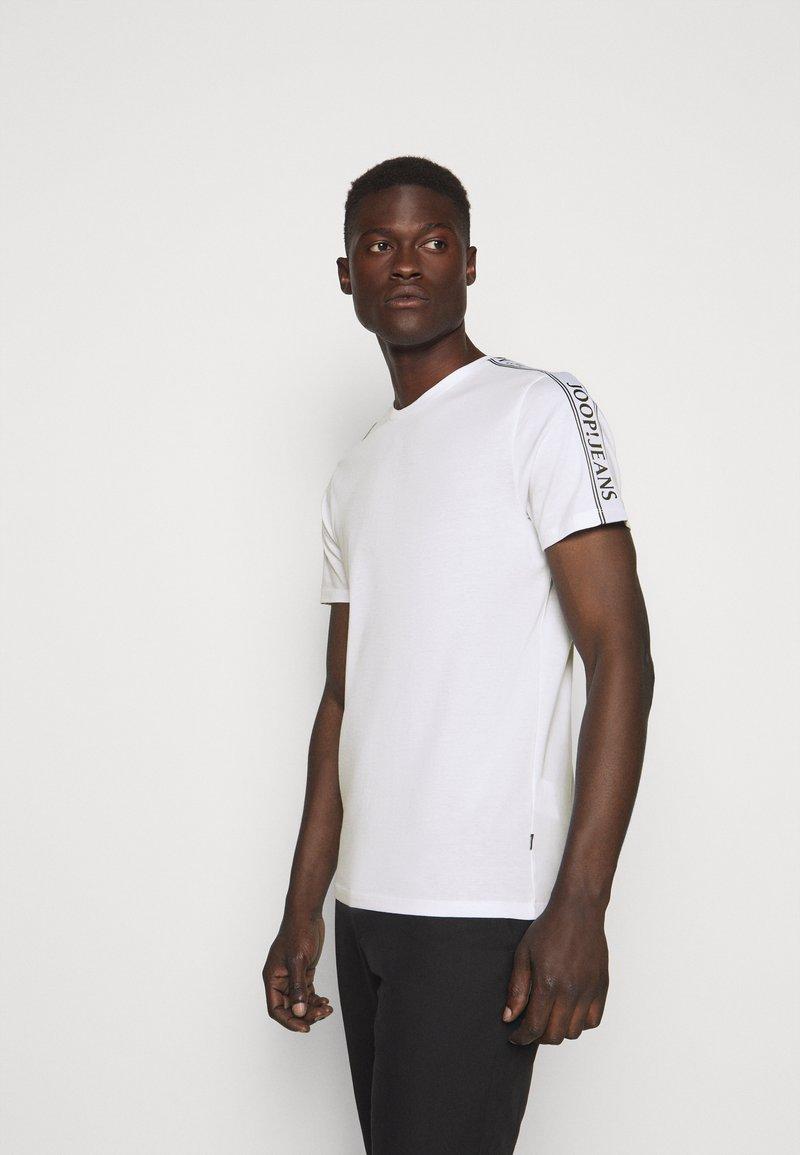 JOOP! Jeans - SIRENO - Camiseta estampada - white