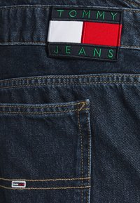 Tommy Jeans - DUNGAREE - Straight leg -farkut - save dark blue rigid - 7