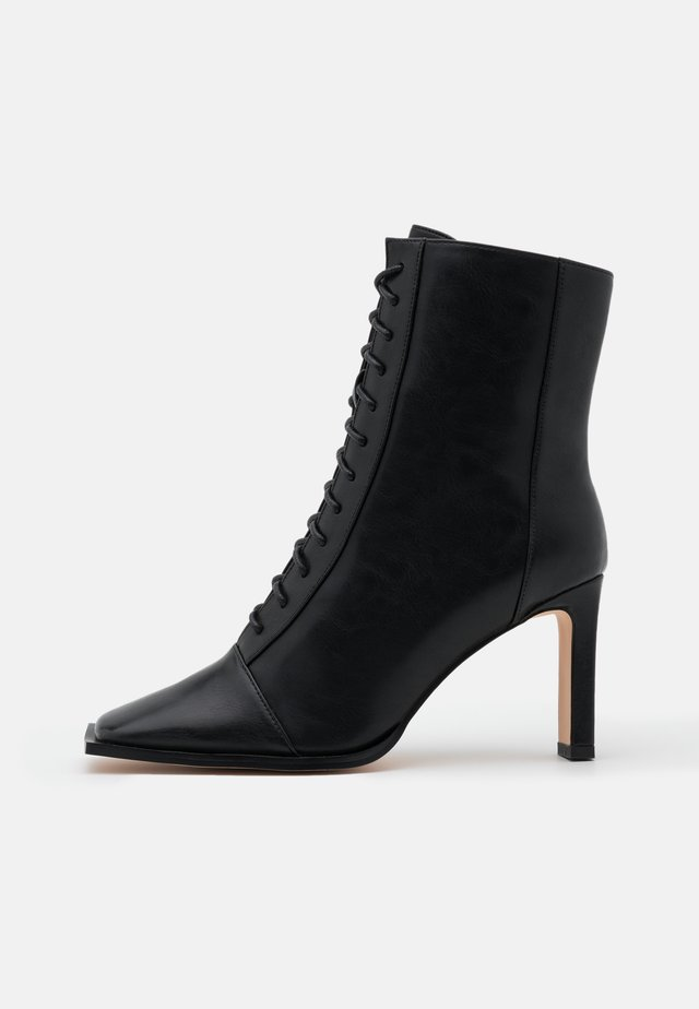 SQUARED TOE LACE UP BOOTS - Botki na obcasie - black