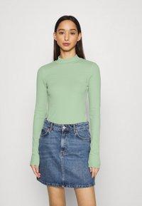 Weekday - VERA MOCKNECK - Long sleeved top - green - 0