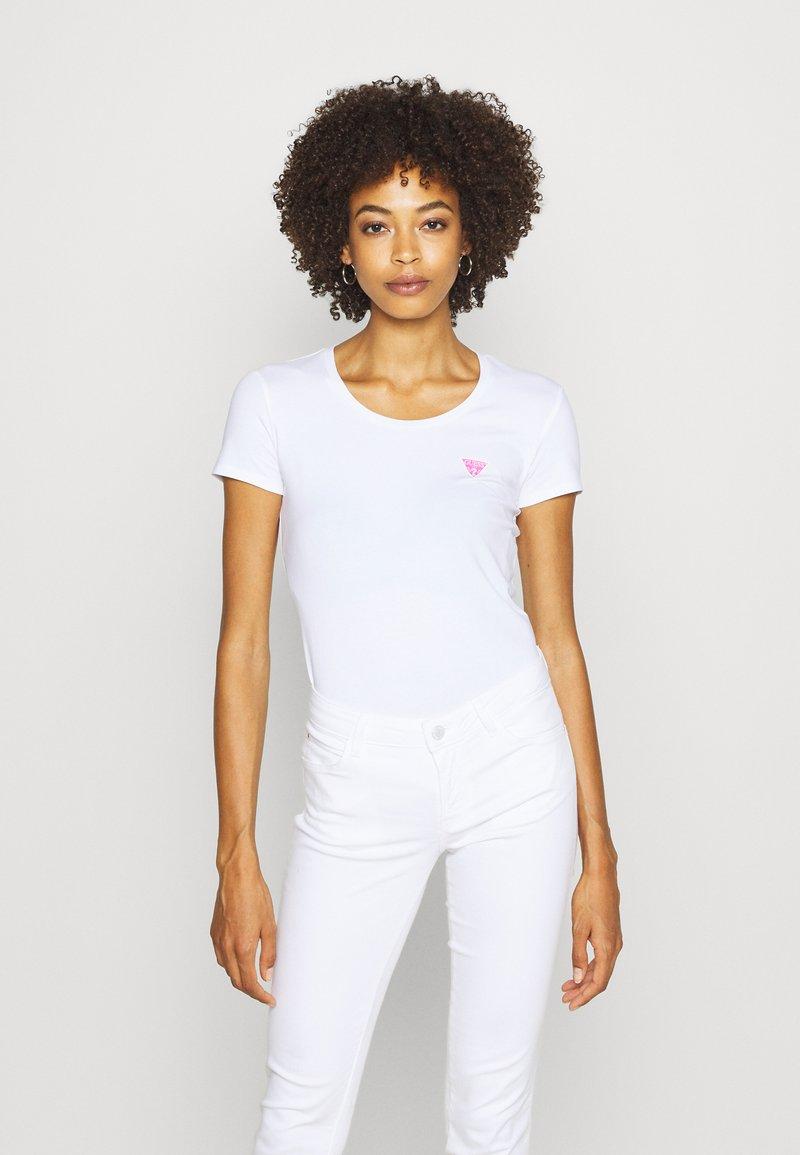 Guess - RNKAMELIA  - Print T-shirt - true white