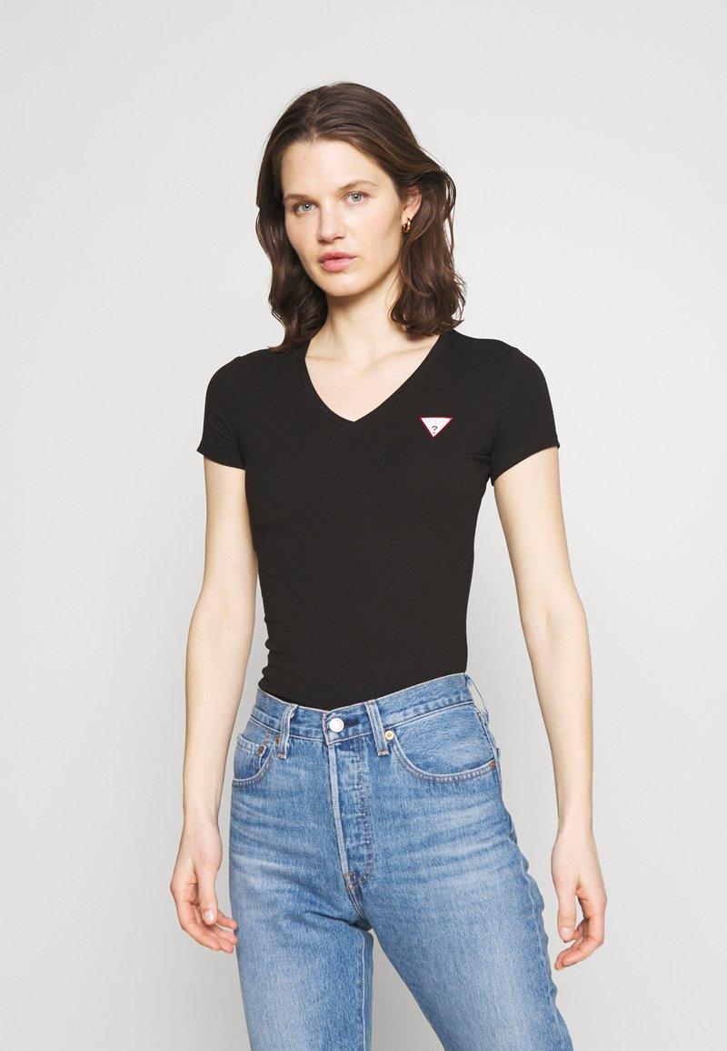 Guess - MINI TRIANGLE - T-shirts med print - jet black