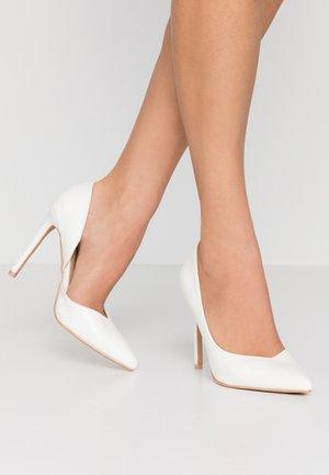 PEITRA - Lodičky na vysokém podpatku - white