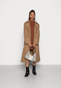 Gina Tricot - MIMMI TRENCH COAT - Trench - brown - 1
