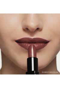 Bobbi Brown - LUXE LIP COLOR - Lipstick - downtown plum - 4