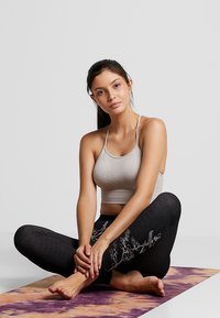 Yogasearcher - FUJI - Leggings - black - 1
