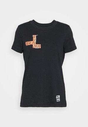 DRY TEE BERLIN RUN - Sports shirt - black