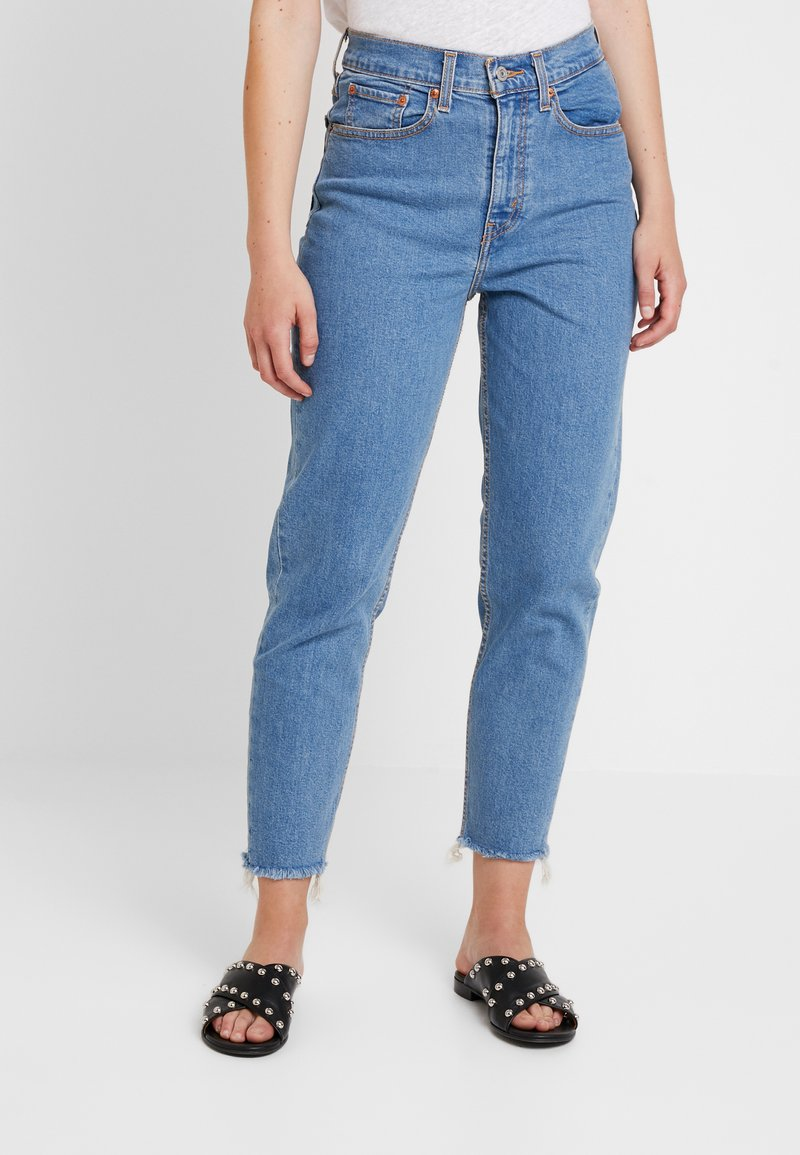 Levi's® - MOM JEAN - Jeans Tapered Fit - pacific sky