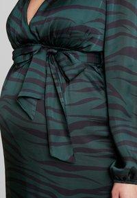 True Violet Maternity - WRAP LONG SLEEVES - Maksimekko - green - 6