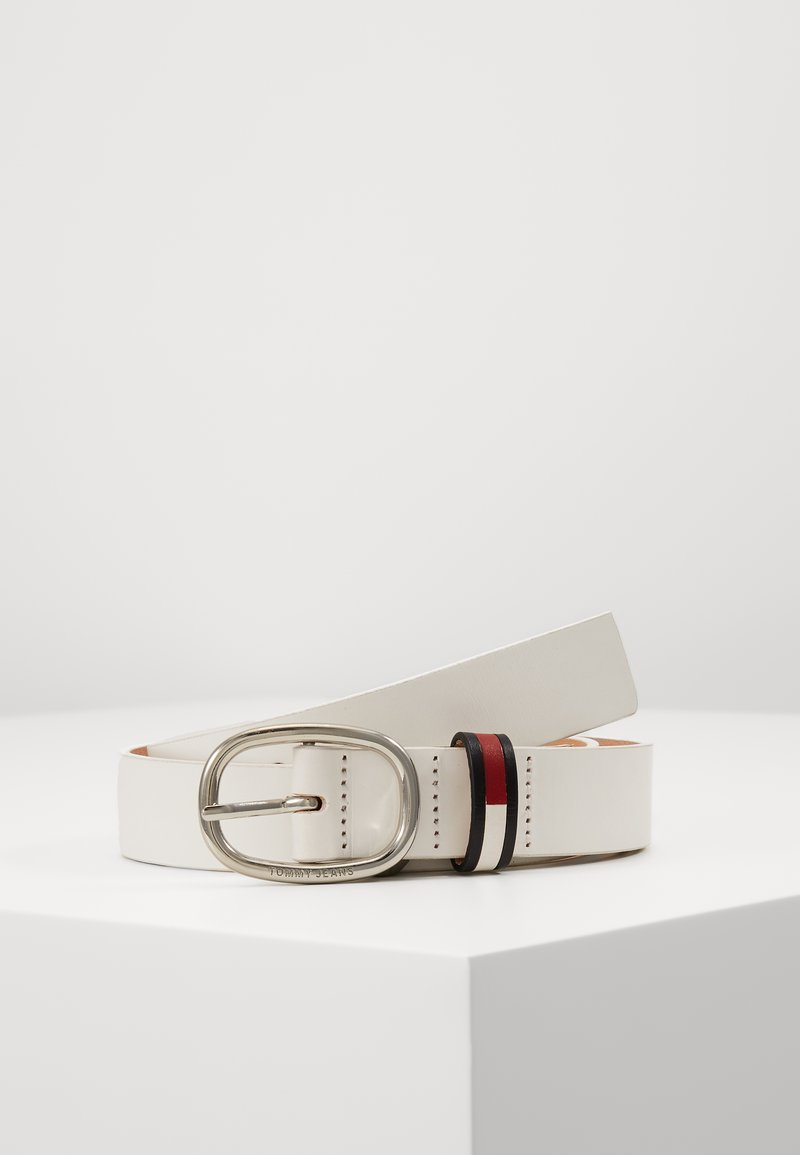 Tommy Jeans - OVAL FLAG INLAY BELT  - Cinturón - white