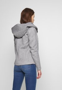 ONLY - ONLSEDONA LIGHT SHORT JACKET - Leichte Jacke - light grey melange - 2