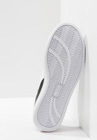 Puma - SMASH L - Sneakers laag - black-white - 4