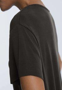 OYSHO - T-shirt basique - black - 3