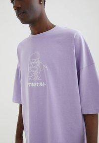 PULL&BEAR - MIT NARUTO-MOTIV - Print T-shirt - mauve - 3