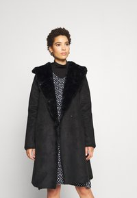 Derhy - SALABAGUE VESTE - Klasický kabát - black - 0