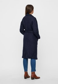 Noisy May - NMZOE  WOOLEN COAT - Klasyczny płaszcz - dark blue - 2