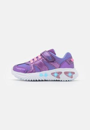 ASSISTER GIRL - Sneakers laag - purple/pink