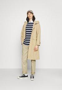 Newport Bay Sailing Club - BOLD STRIPE RUGBY - Polo shirt - navy - 1