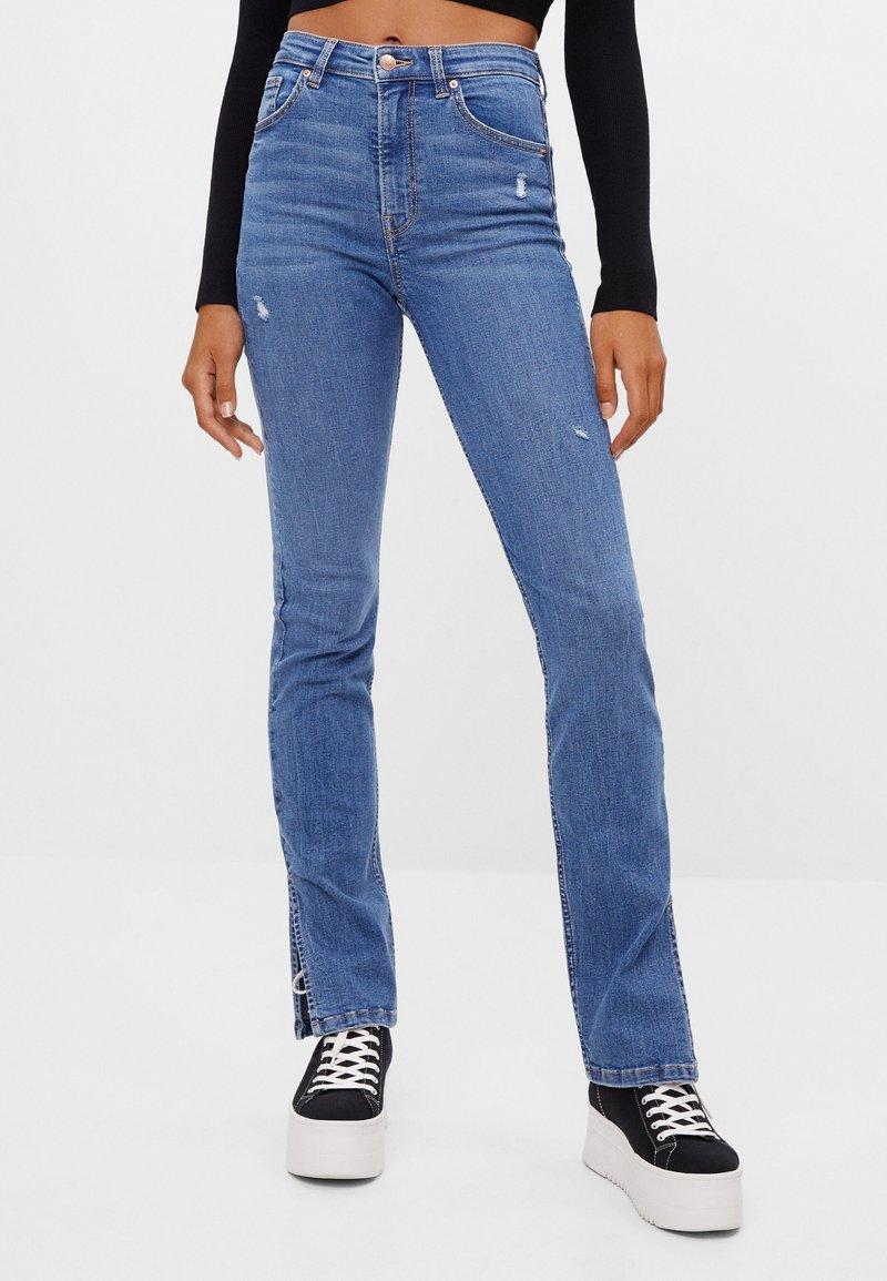 Bershka - Bootcut jeans - blue denim