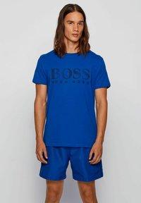 BOSS - RN - T-shirt imprimé - open blue - 0
