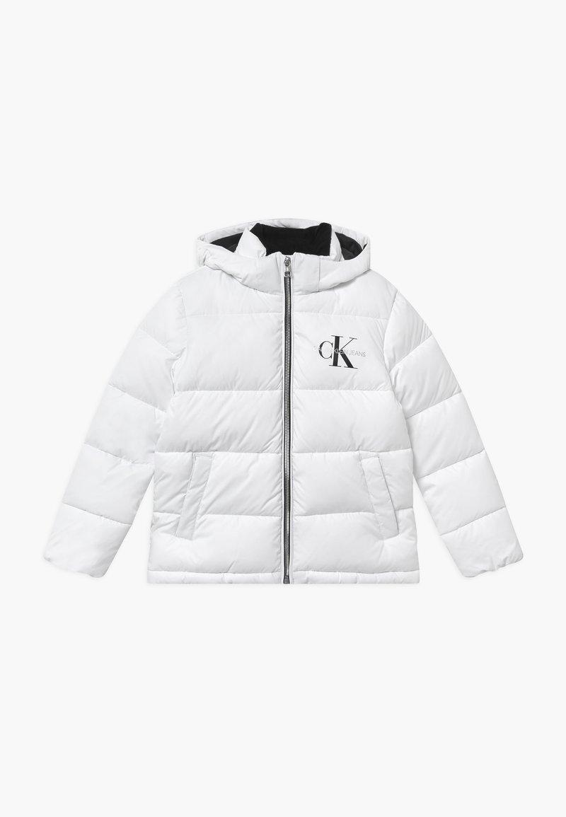 Calvin Klein Jeans - ESSENTIAL PUFFER  - Zimní bunda - white